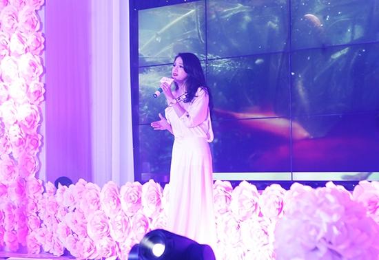 Hương Giang Idol bốc lửa đến đốt mắt 12