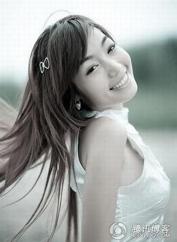 Bóc mẽ nhan sắc 'đen nhẻm vêu vao' của Elly Trần 11