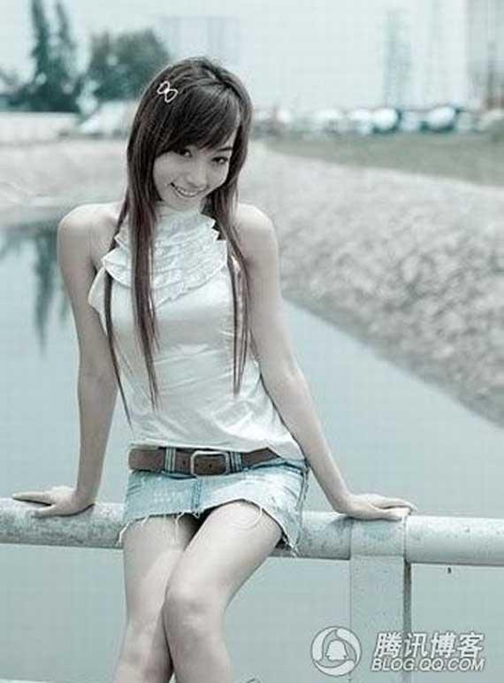 Bóc mẽ nhan sắc 'đen nhẻm vêu vao' của Elly Trần 12