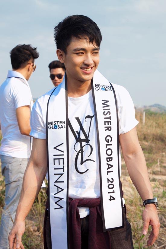 Đại diện Việt Nam lọt vào Top 5 Mister Global tài năng 17