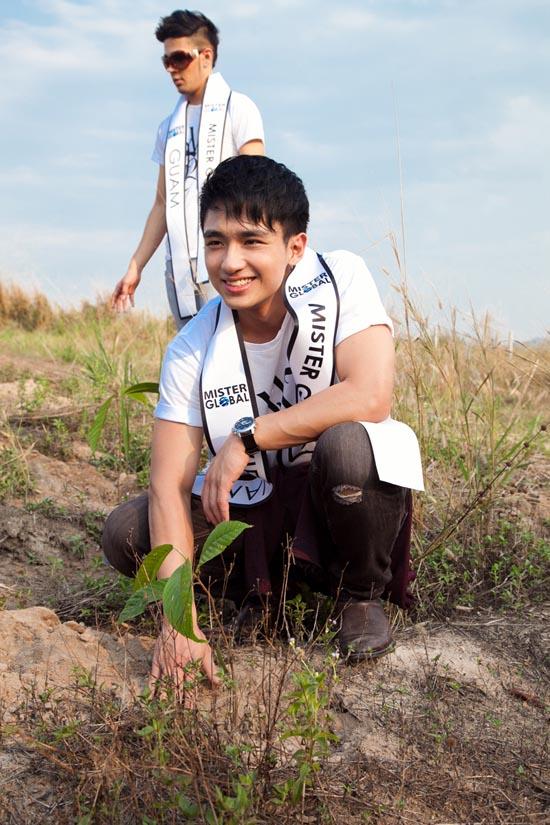 Đại diện Việt Nam lọt vào Top 5 Mister Global tài năng 18