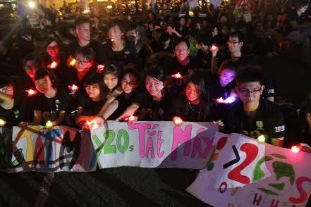 Chùm ảnh: Việt Nam tắt đèn hưởng ứng Giờ Trái Đất 2014 10