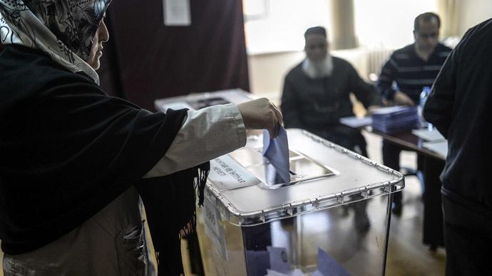 Thổ Nhĩ Kỳ: Đụng độ trong khi bầu cử, 8 người thiệt mạng 6