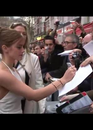 Emma Watson làm náo loạn đường phố 6