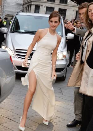 Emma Watson làm náo loạn đường phố 8