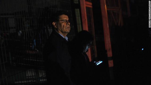 Người dân Chile hoang mang sơ tán khỏi tâm chấn trong đêm 14