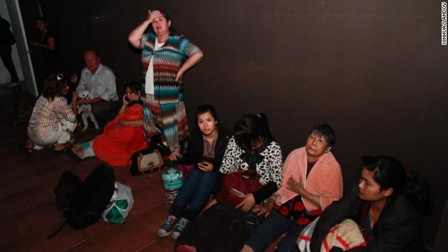 Người dân Chile hoang mang sơ tán khỏi tâm chấn trong đêm 12