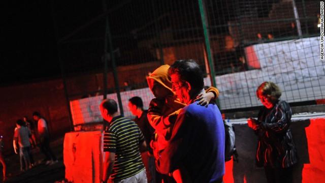 Người dân Chile hoang mang sơ tán khỏi tâm chấn trong đêm 11