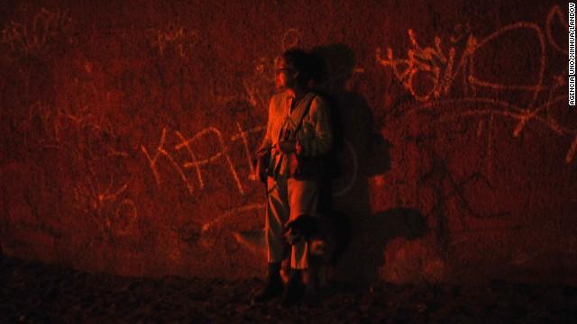 Người dân Chile hoang mang sơ tán khỏi tâm chấn trong đêm 8
