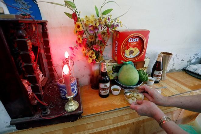 Chùm ảnh người Hà Nội đón Tết Hàn thực 16