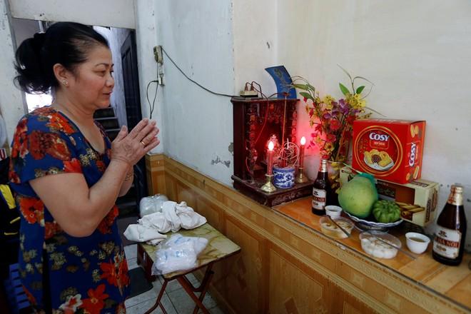 Chùm ảnh người Hà Nội đón Tết Hàn thực 17