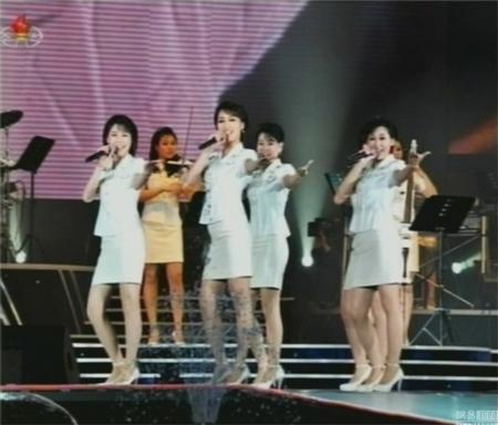 Lộ diện ca sĩ xinh đẹp bị bỏ tù vì 'hớp hồn' Kim Jong-Un 6
