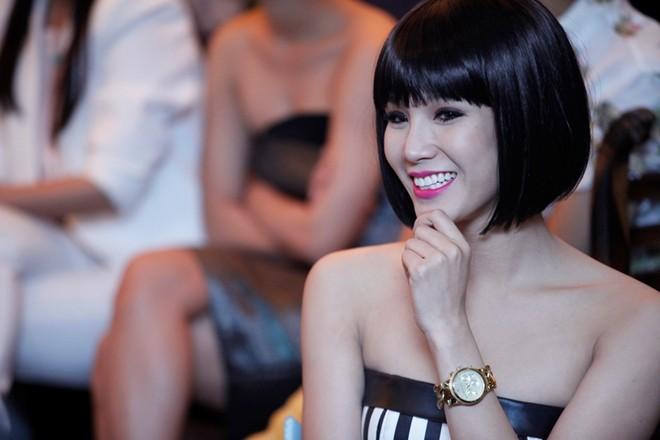 Sơn Tùng M-TP nổi bật trong buổi ra mắt phim Bếp hát 15