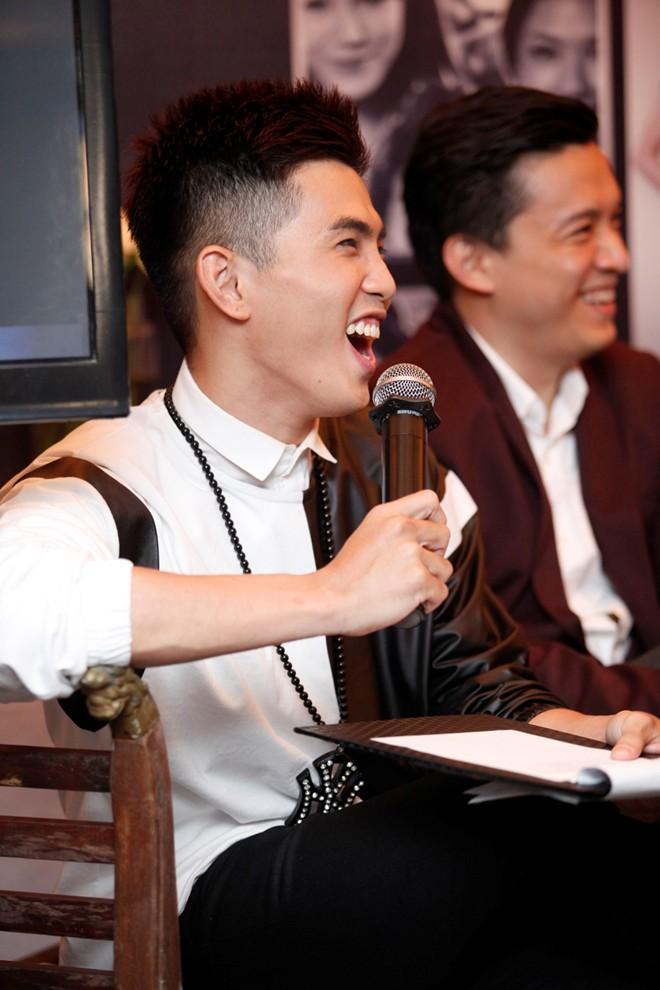 Sơn Tùng M-TP nổi bật trong buổi ra mắt phim Bếp hát 17