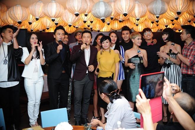 Sơn Tùng M-TP nổi bật trong buổi ra mắt phim Bếp hát 19