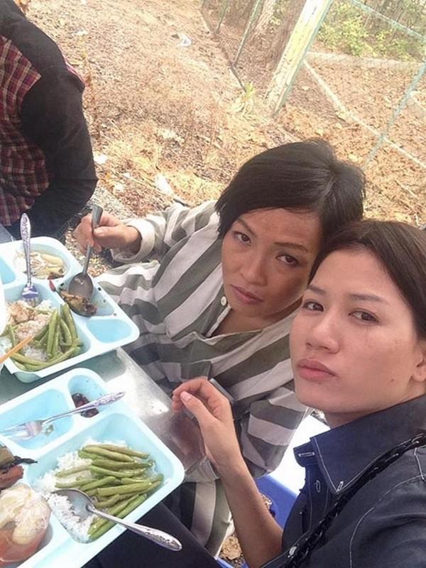 Những bữa ăn dã chiến của sao Việt sau hậu trường 6