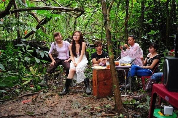 Những bữa ăn dã chiến của sao Việt sau hậu trường 18