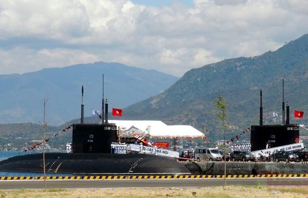 Cận cảnh lễ thượng cờ cấp quốc gia tàu ngầm Kilo HQ-182 và HQ-183 5