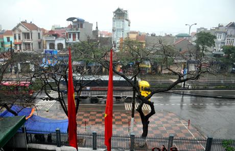 Chùm ảnh: 10 phút ngày biến thành đêm ở Quảng Ninh 13