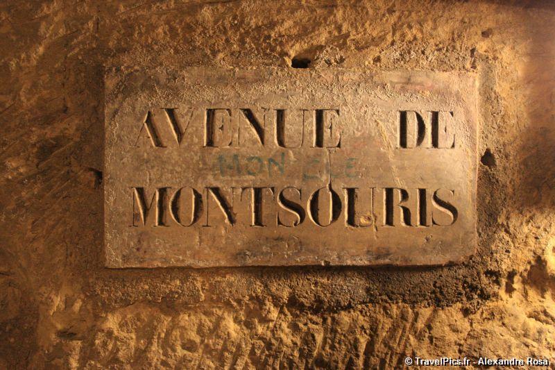 Rùng rợn khu mộ kỳ bí chứa hơn 6 triệu hài cốt dưới lòng kinh đô Paris 6