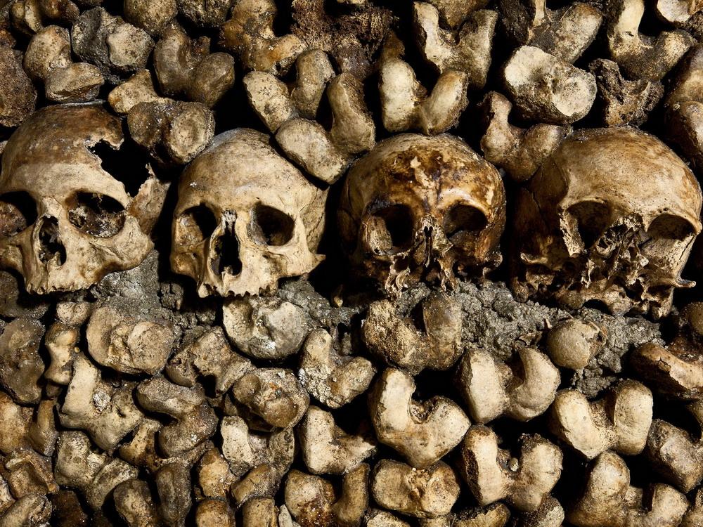 Rùng rợn khu mộ kỳ bí chứa hơn 6 triệu hài cốt dưới lòng kinh đô Paris 18