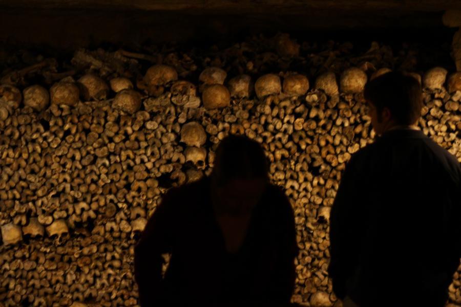 Rùng rợn khu mộ kỳ bí chứa hơn 6 triệu hài cốt dưới lòng kinh đô Paris 10