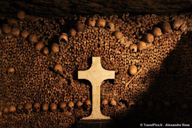 Rùng rợn khu mộ kỳ bí chứa hơn 6 triệu hài cốt dưới lòng kinh đô Paris 11