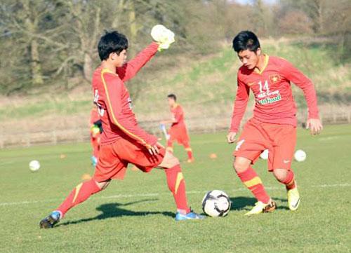Hình ảnh U19 VN thất bại trước U19 Lens số 1