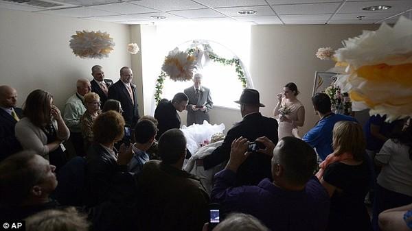 Lễ cưới đẫm nước mắt của cô dâu mắc bệnh ung thư giai đoạn cuối 6
