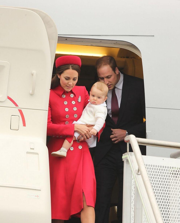 Hoàng tử bé nước Anh lần đầu công du nước ngoài 5