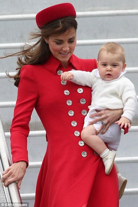 Hoàng tử bé nước Anh lần đầu công du nước ngoài 14