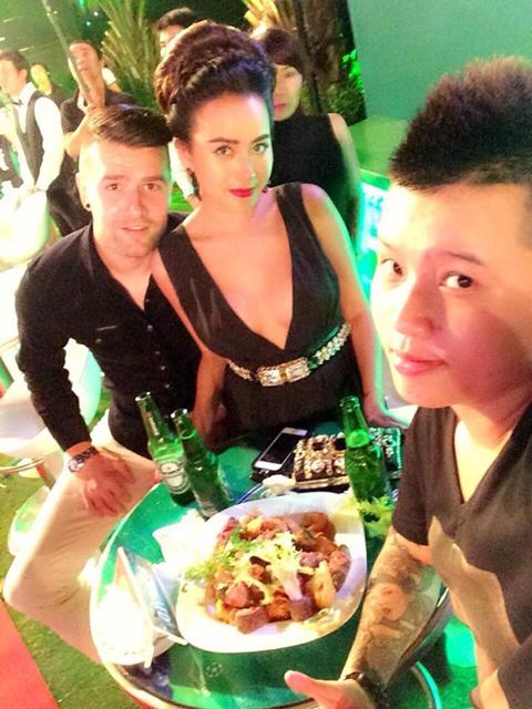 Nữ DJ số 1 Việt Nam 'thả rông' ngực đón cúp C1 tại Sài Gòn 7