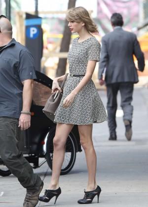 Taylor Swift trẻ trung tại New York  10
