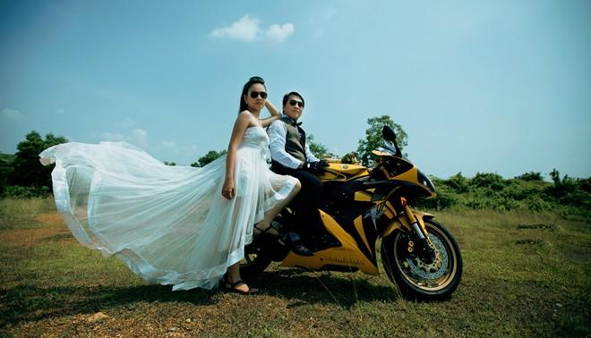Trọn bộ ảnh cưới 'độc' của cặp đôi mê mô tô phân khối lớn 5