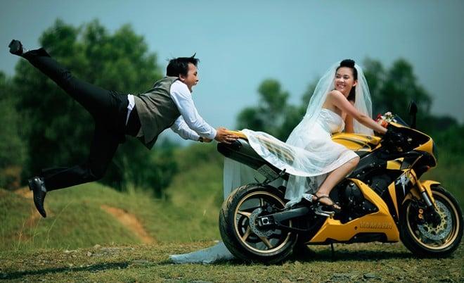Trọn bộ ảnh cưới 'độc' của cặp đôi mê mô tô phân khối lớn 10