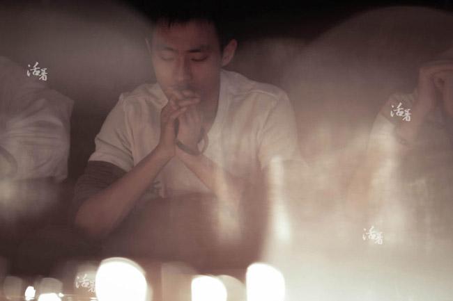 Rơi nước mắt với bộ ảnh 'Tình yêu mất tích' trên chuyến bay MH370 5