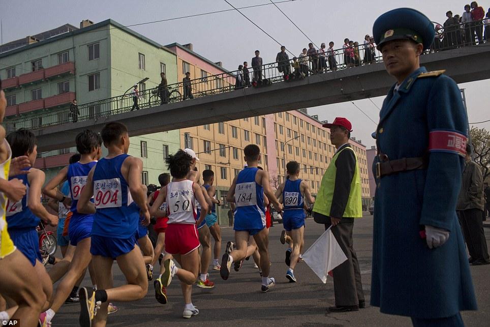 Những hình ảnh thú vị về giải điền kinh quốc tế đầu tiên tại Triều Tiên 6