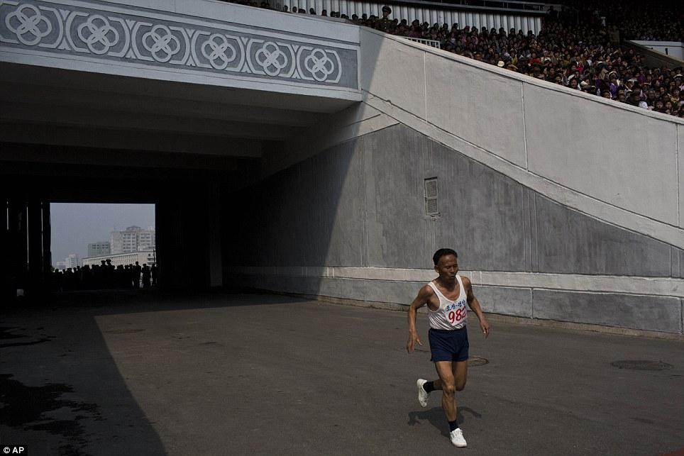 Những hình ảnh thú vị về giải điền kinh quốc tế đầu tiên tại Triều Tiên 8