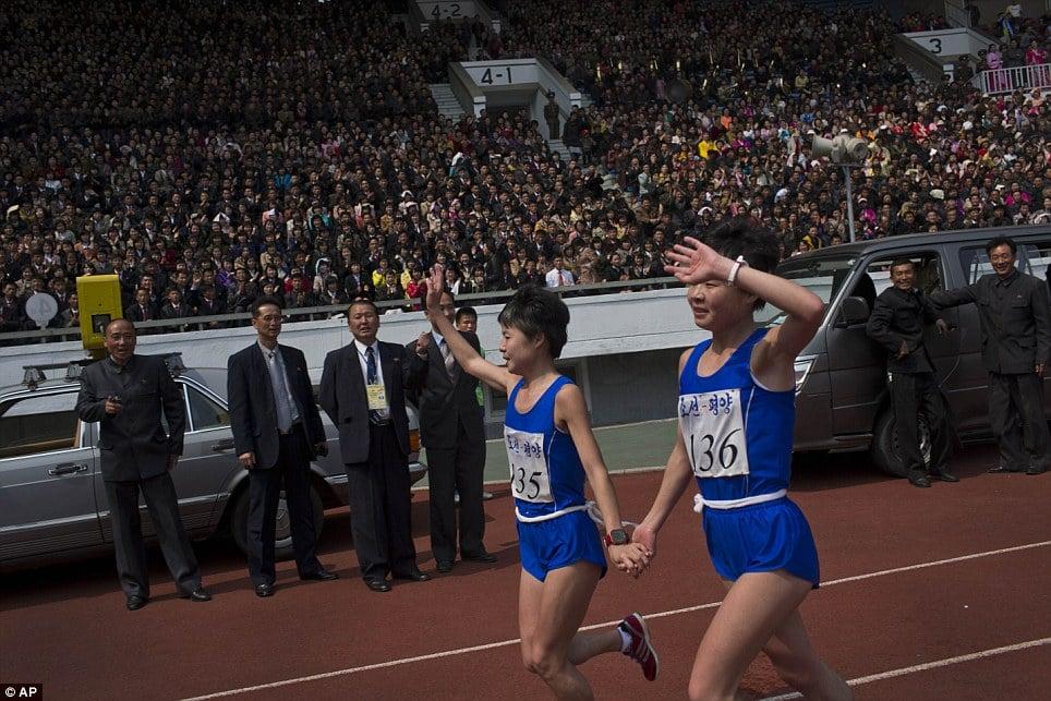 Những hình ảnh thú vị về giải điền kinh quốc tế đầu tiên tại Triều Tiên 10