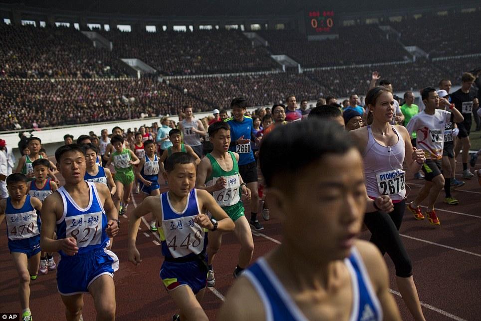 Những hình ảnh thú vị về giải điền kinh quốc tế đầu tiên tại Triều Tiên 11