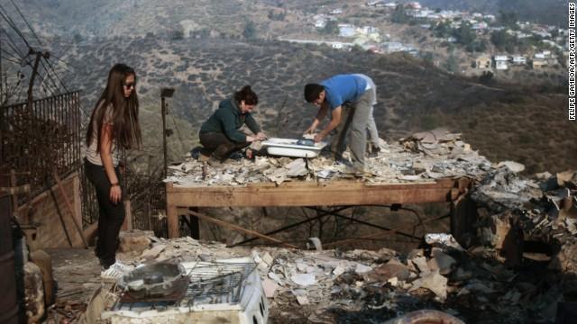 Chile: Cháy rừng khủng khiếp, 1000 ngôi nhà bị 'nuốt gọn' 15