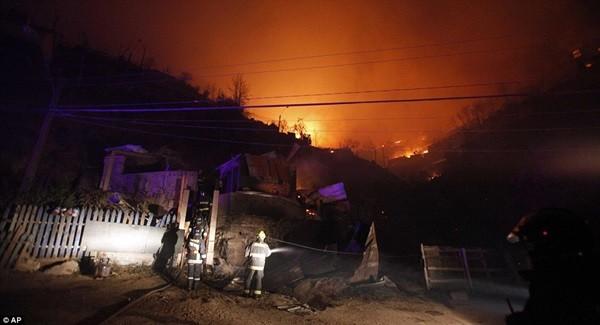 Chile: Cháy rừng khủng khiếp, 1000 ngôi nhà bị 'nuốt gọn' 13