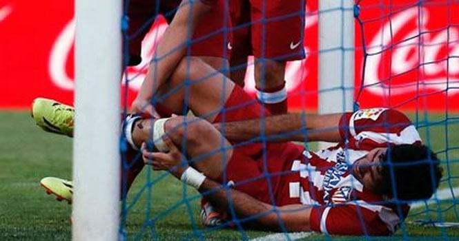 Diego Costa chấn thương kinh hoàng trong trận thắng của Atletico Madrid 5