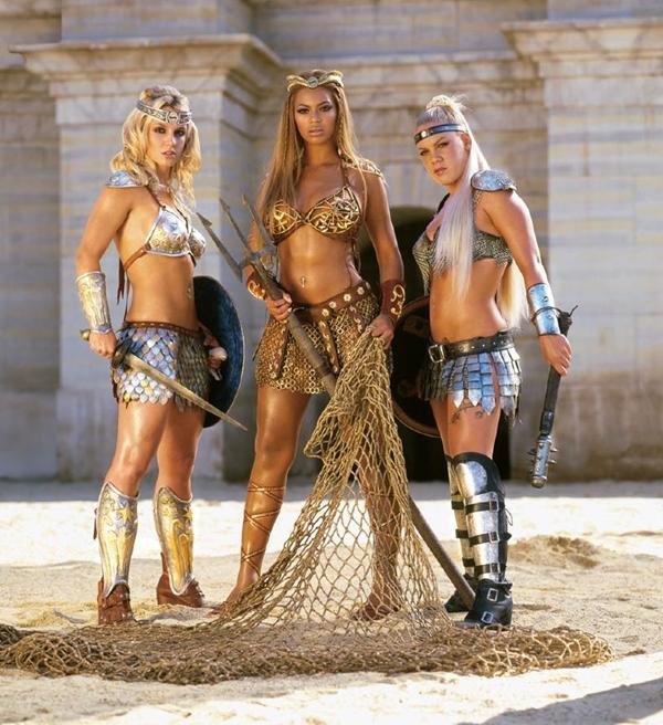 Clip quảng cáo bất hủ của Britney Spears, Pink và Beyonce  5