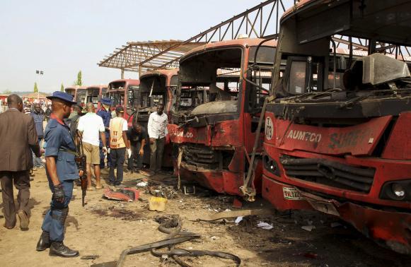 Nigeria: Đánh bom trạm xe bus, 71 người thiệt mạng 5