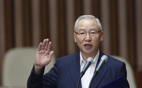 Giám đốc tình báo Hàn Quốc xin lỗi công chúng về việc giả mạo tài liệu 6