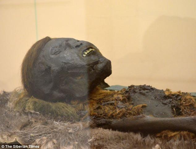Bí ẩn ngôi mộ cổ chứa xác ướp 800 năm tuổi ở Nga 2