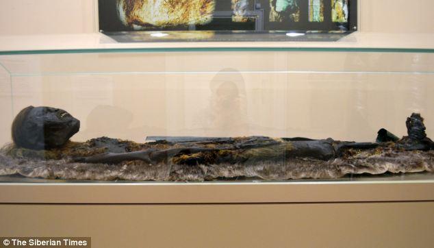 Bí ẩn ngôi mộ cổ chứa xác ướp 800 năm tuổi ở Nga 3