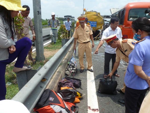 Hiện trường vụ thảm nạn ở cao tốc Trung Lương, 5 người chết 10
