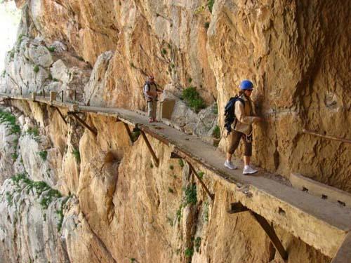 Hình ảnh Các tour du lịch mạo hiểm đến thót tim số 2